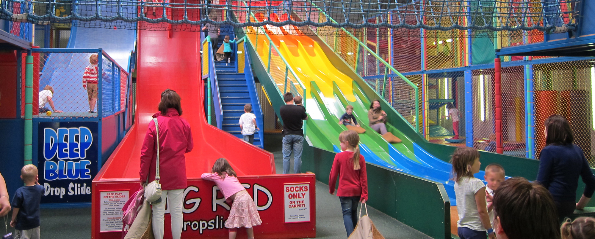 Attractions paradise park for Indoor play slide