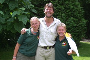 Vet Steve Leonard with Keepers Louise and Clare